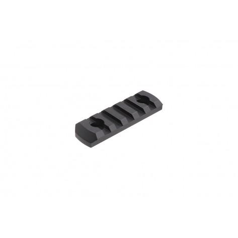 Dominator™ M-LOK 5-Slot Rail Section